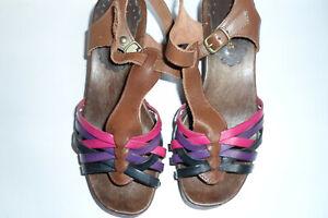 TEXTO paire de chaussures/sandales bois et cuir P 35