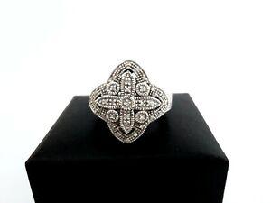 Opulenter Ring aus 925 Silber vermutlich mit Zirkonia  - Silberring