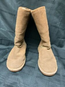 Bearpaw Mid Calf Light Brown Suede Boots US Size 6 Women's