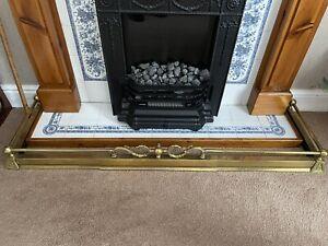 Extendable brass fireplace fender