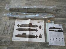 Astute 1/144 RC U-Boot Ausbausatz zum statisch tauchen mit viel Zubehör
