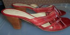 Lovely Pair of Size 8  Coral Colour Leather CLARKS Slip-on Shoes in VGC