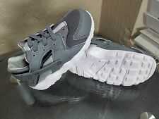 Nike Huarache Run TD Baby Size 8C Gray Running Athletic Shoes Sneakers