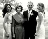 PRESIDENT GEORGE W. BUSH w/ LAURA & DAUGHTERS PRE-WEDDING - 8X10 PHOTO (BB-901)