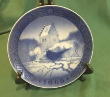 "Royal Copenhagen Plate ""Black Bird At Christmas Time, Denmark, Kai Lange, 7 Inch"