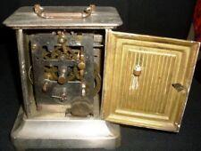 Antieke reispendule met speeldoos. Officiershorloge.