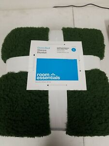 Room Essentials XL Twin Dorm Bed Sherpa Plush Blanket Green New