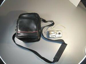 Olympus Stylus 410 Digital 4.0MP Digital Camera No Battery Untested w Camera Bag