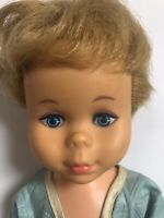 """Vtg 1960s Mattel Dee Dee Doll 15"""" Rooted Hair Painted Eyes Blue Quilted Robe"""