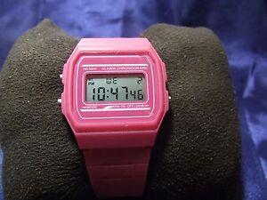 Woman's Alarm Chronograph Watch with Pink Band **Nice** B30-941