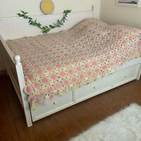 """Vintage Crocheted Bedspread Pink & White Flower TWIN? 84"""" x 72"""" NON-Smoking Home"""