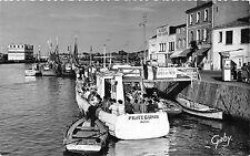 BR9319 Sables D ollone le port shio bateaux Pilote Garnier  france