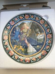Wedgewood The Legend of King Arthur 'Excalibur' collectors plate