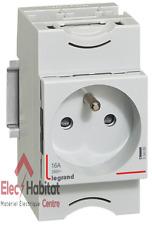 Prise de courant  modulaire 2P+T 10/16A  Legrand 04280
