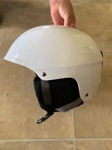 giro adult bevel snow helmet