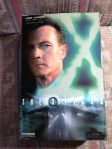 X Files Sideshow John Doggett  Agent FBI; Rare Overcoat suit Variant