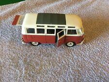 """Maisto Volkswagen Van """"Samba"""" -Scale 1:25"""