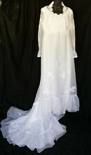 Vintage White Wedding dress with ruffle train & sheer sleeves Size Large 10-12