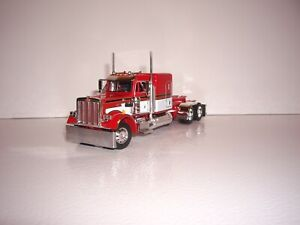 DCP FIRST GEAR 1/64 RED AND WHITE PETERBILT 359 WITH 63'' FLATTOP SLEEPER
