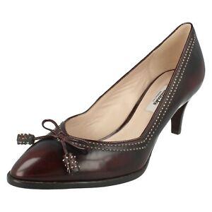 Damen Clarks Court Slip On Schuhe Deeta Bombay