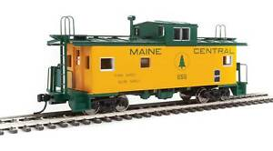 Walthers-HO-#8756   International Wide-Vision Caboose - Maine Central #656
