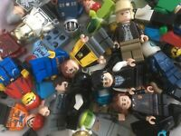 LEGO MINIFIGURE BUNDLE !!  10 random figures / people / minfigs