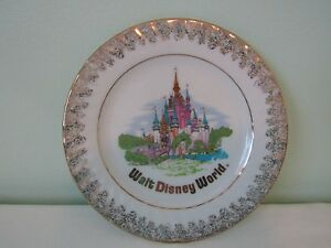 "Vintage Walt Disney World Souvenir Wall Plate Made in Japan 6 1/2"""
