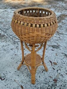 VTG MCM Rattan CURLY PEACOCK Wicker Bamboo Fern Stand Wood Beads Plant Stand