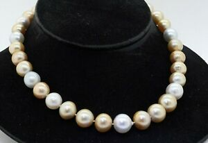 18K gold 1.54CTW diamond 12.5-15.4mm White/Gold South Seas pearl strand necklace