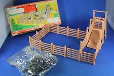 O/S - Plasticville - #1623 Cattle Loading Pen - NO BREAKS - Excellent Condition