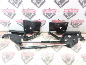 2004 Chevrolet SSR OEM Hatch Struts/Shocks LH/RH Hinges