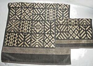 HAMPTON MANOR OFF BLACK TAN GEOMETRIC STRIPE VELOUR (2PC) TOWEL SET