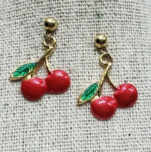 Vintage AVON Pair Cherries Dangle Drop Gold Tone Enamel Red Pierced Post Fruit
