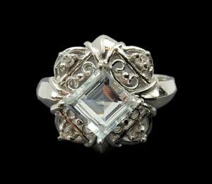 Amazing 10K White Gold Aquamarine (0.91 CTW) Ring With 4 (1mm) Diamonds Size 8.5