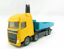 Siku 1683 - Volvo FH Roll-off Tipper Truck with Hooklift Crane - Scale 1:87
