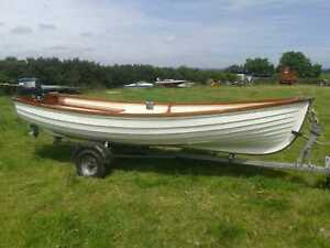 CLASSIC ROWING BOAT