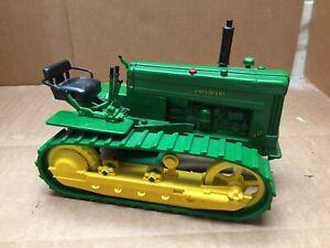 1999 ERTL 1/16 Diecast  John Deere 40 Crawler Tractor Rubber Track Green #5072