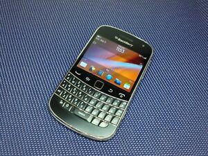 Prototype Blackberry 9900
