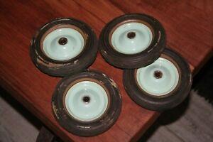 Lot de 4 roues pour voitures à pédale , poussettes pneus plein Bergougnan ancien