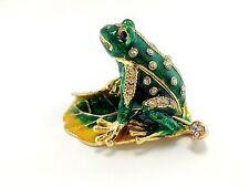 Green Frog on Lotus Leaf Jewelry Trinket Box Decorative Collectible Animal 02096