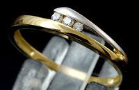 333 Gelbgold  Ring mit  gefaßten Zirkonia Steinen  Größe 56 mit Brilliantschliff