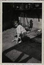 PHOTO ANCIENNE - VINTAGE SNAPSHOT - ENFANT MODE OMBRE CHIEN - CHILD SHADOW DOG
