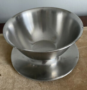 Vintage Oneida 18/8 Japan Stainless Steel Gravy Boat Bowl Attached Drip Plate