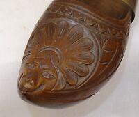 paire de sabot sculpté à tête de lion stylisé début 20ème -  art populaire