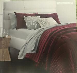 Martha Stewart Collection Tufted Velvet Twin Quilt Red $220