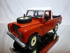 UNIVERSAL HOBBIES LAND ROVER SERIES II III PI - RED 1:18 RARE - GOOD CONDITION