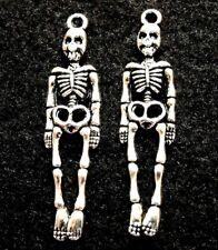 50Pcs. WHOLESALE Tibetan Silver Halloween SKELETON Charms Pendants Drops Q1265