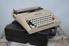 WORKING Portable Beige Olivetti LETTERA 35 Vintage Typewriter With Case