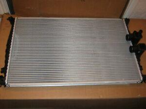 Peugeot 406 2.0 litre radiator - BRAND NEW - GENUINE - 1330J0