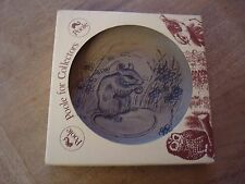 """VINTAGE NEW AND BOXED STONEWARE 'POOLE' 5"""" PLAQUE MOUSE"""